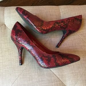 Mossimo Snakeskin Pumps Red & Black 8